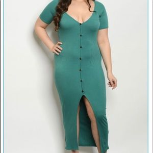 Dresses & Skirts - Emerald Exposed Green split Plus Size Dress🤩